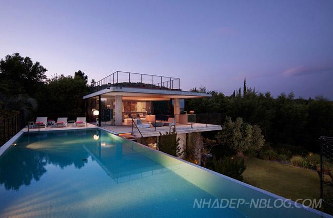 Nhà đẹp với thiết kế táo bạo giữa bê tông và kính
