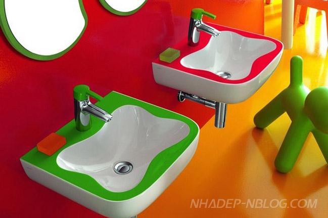 Phòng tắm tràn ngập sắc màu dành cho trẻ