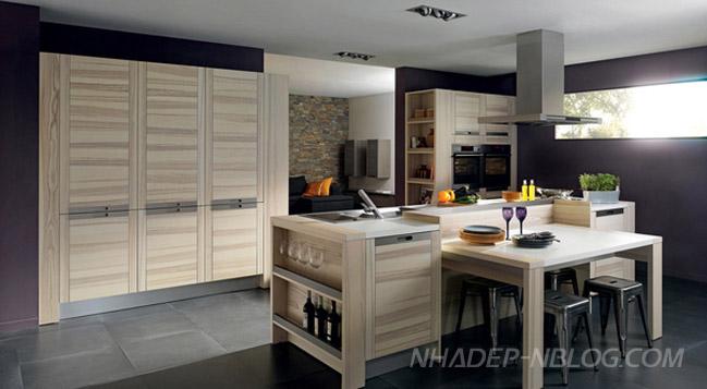 Thiết kế nội thất nhà bếp với gỗ và inox
