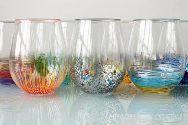 Trang trí bình hoa thủy tinh đầy màu sắc