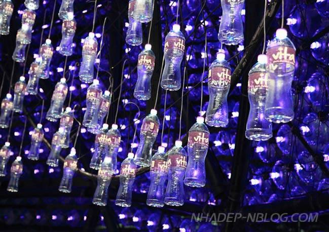Kiến trúc pavilion đèn lồng từ các chai nước tái chế