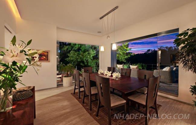 Biệt thự đẹp với nội thất gỗ ấm áp giữa thiên nhiên