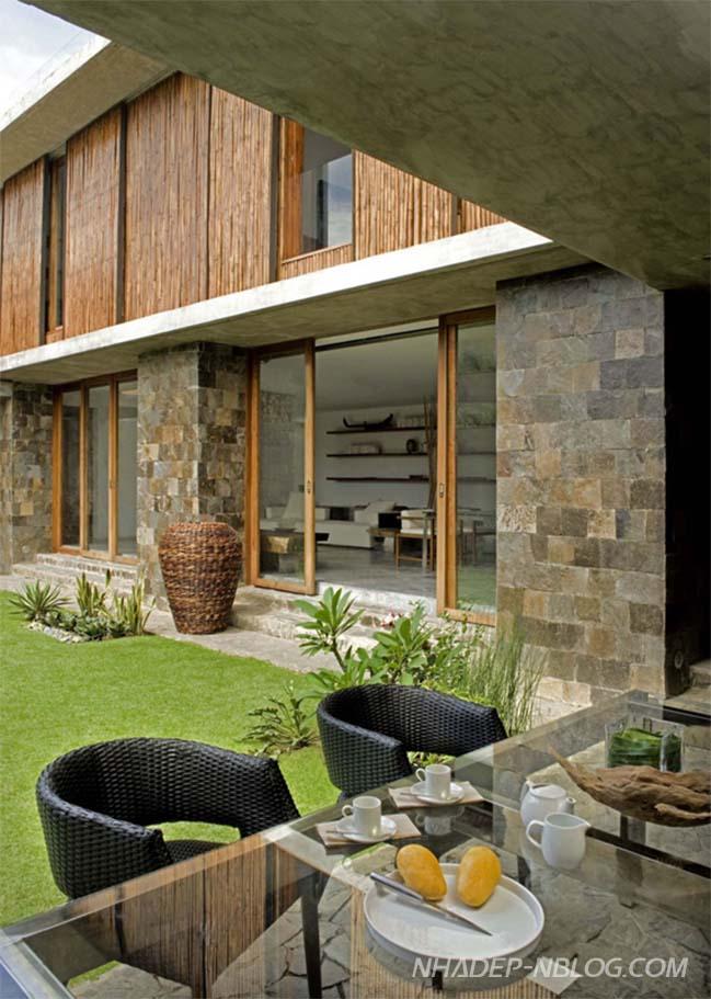 Biệt thự đẹp với tường tre độc đáo