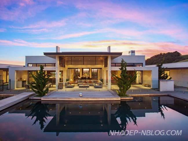 Ngắm thiết kế biệt thự trên đồi xanh với thiết kế đương đại