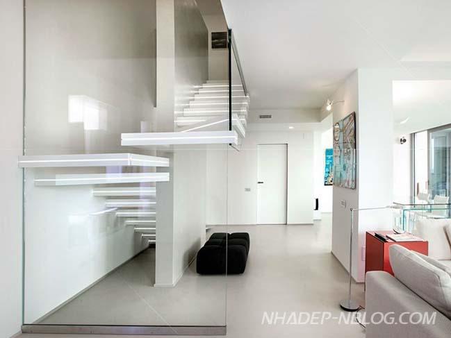 Mẫu nội thất cầu thang được tích hợp đèn LED hiện đại
