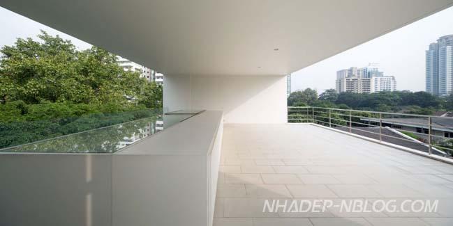 Biệt thự đẹp với thiết kế tường cao cửa rộng