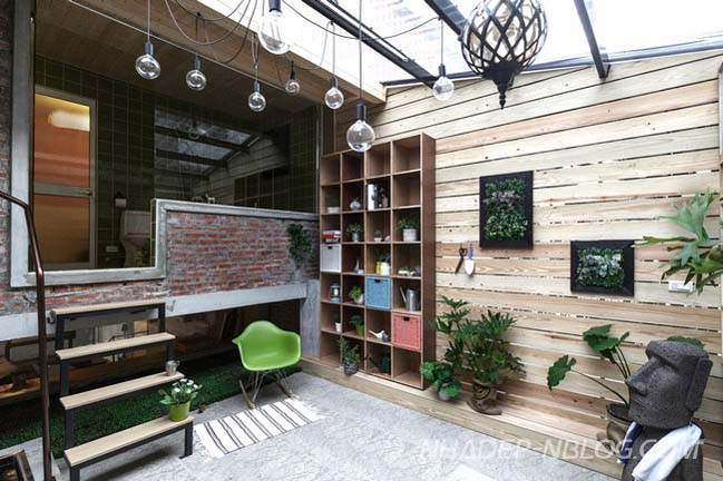 Làm mới không gian sống cho nhà phố 3 tầng cũ nát