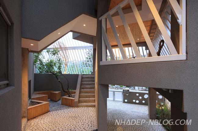 Mẫu thiết kế nhà đẹp với khung sắt bao bọc