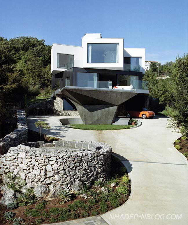 Ngôi biệt thự đẹp với thiết kế góc cạnh