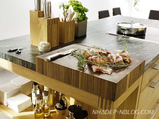 Nhà bếp đẹp với nội thất gỗ mộc mạc