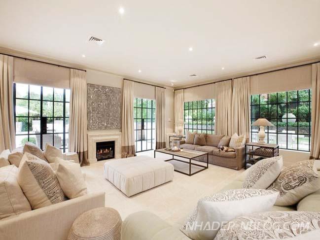 Màu phòng khách đẹp với tông màu trắng kem