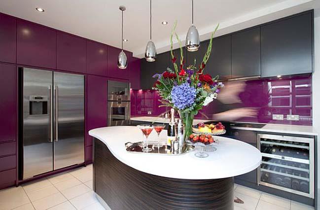 Thiết kế nhà bếp đẹp với tông màu tím sang trọng