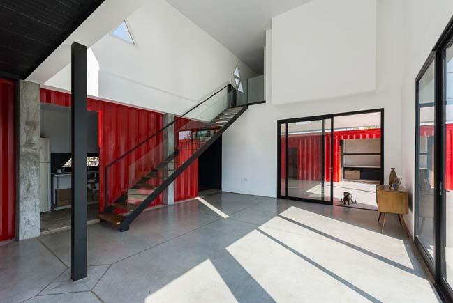 Thiết kế nhà đẹp 2 tầng bằng container