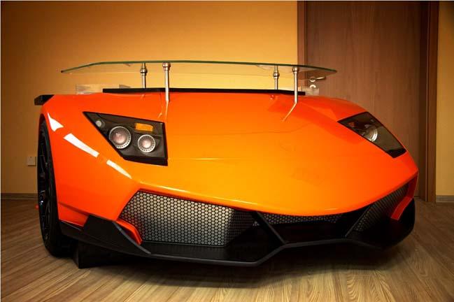 Chiếc bàn làm việc gần 500 triệu lấy cảm hứng từ siêu xe