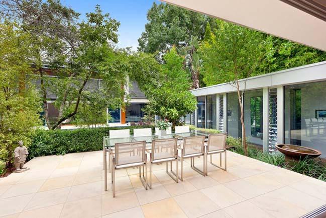 Biệt thự đẹp 2 tầng với thiết kế hiện đại sang trọng