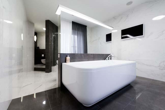 Căn hộ chung cư với nội thất trắng sáng sang trọng