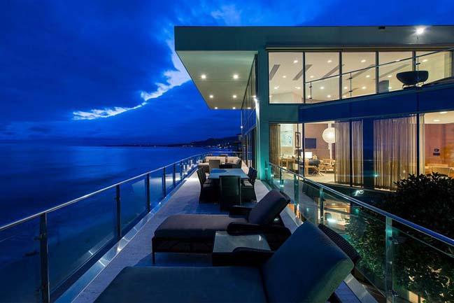 Choáng với biệt thự đẹp sang trọng đối diện biển