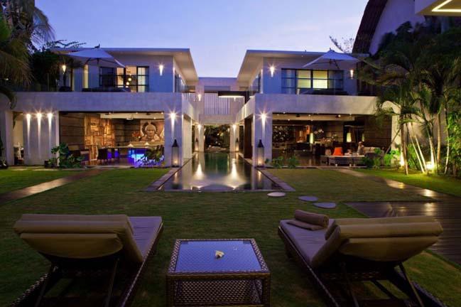 Ngôi biệt thự đẹp với kiến trúc đối xứng