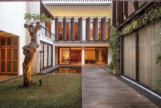 thiet ke biet thu dep 01 Thiết kế kiến trúc và nội thất biệt thự với sân vườn trung tâm thoáng mát