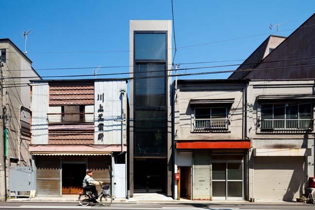 Thiết kế nhà đẹp 4 tầng với bề ngang chỉ 1m8
