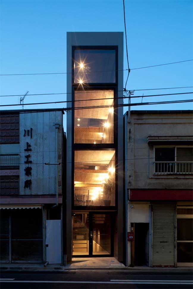 thiet ke nha dep 02 Chia sẻ thiết kế nhà phố đẹp 4 tầng với bề ngang chỉ 1m8
