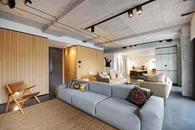 Nội thất căn hộ chung cư với sự kết hợp của bê tông và gỗ