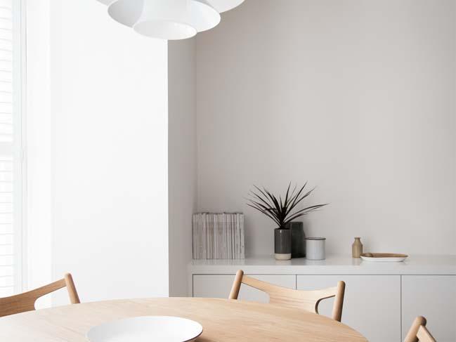 can ho chung cu 60m2 03 Biến hóa căn hộ 60m2 với nội thất trắng sáng hiện đại