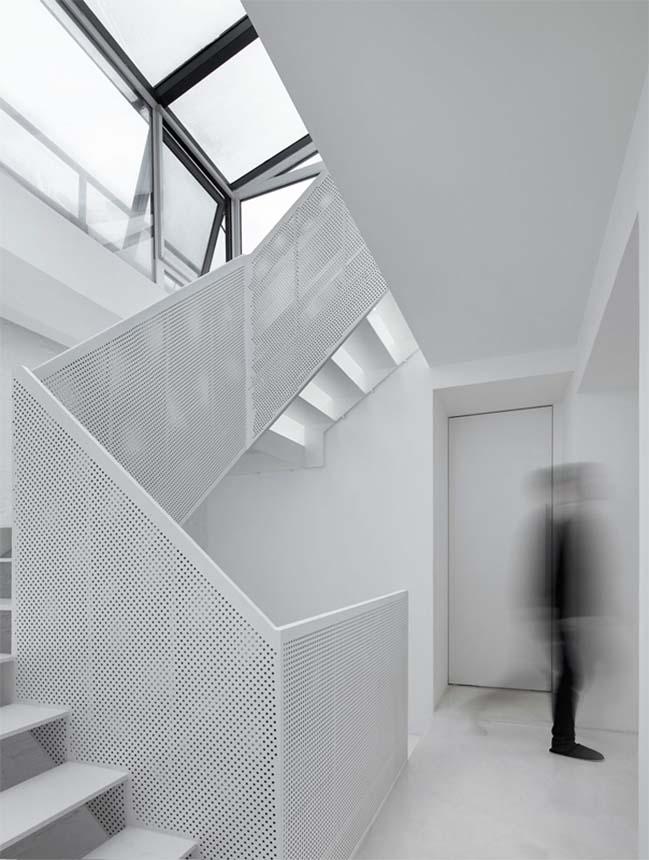 Mẫu nhà đẹp 3 tầng với nội và ngoại thất tương phản