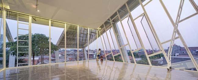 Mẫu nhà phố đẹp 3 tầng với kiến trúc nghiêng độc đáo
