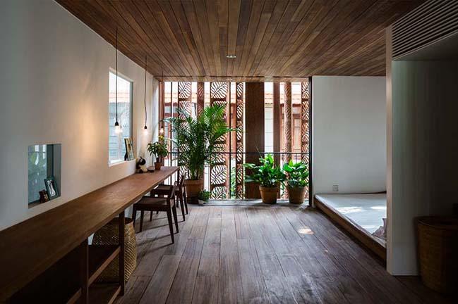 Mẫu nhà phố đẹp với kiến trúc bê tông và gỗ tinh xảo