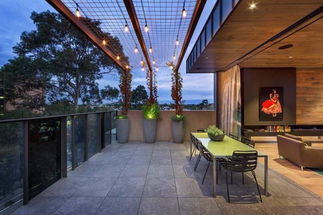 Thiết kế nhà phố đẹp 5 tầng với cấu trúc kính