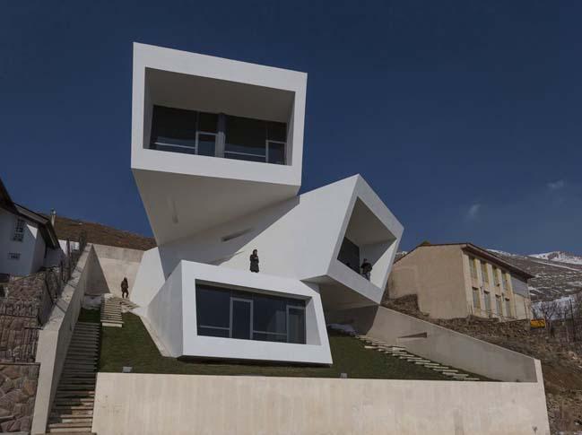 Ấn tượng với mẫu biệt thự đẹp 3 tầng 3 hướng