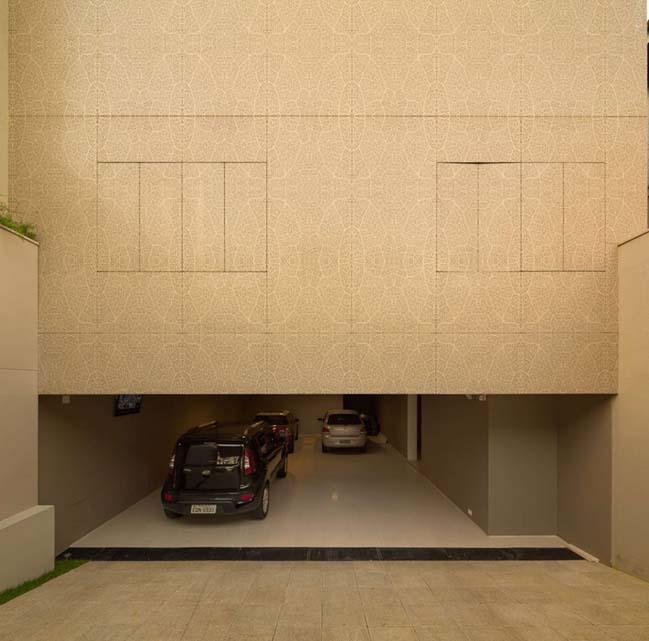 Biệt thự đẹp đơn giản với vỏ bọc bằng kim loại