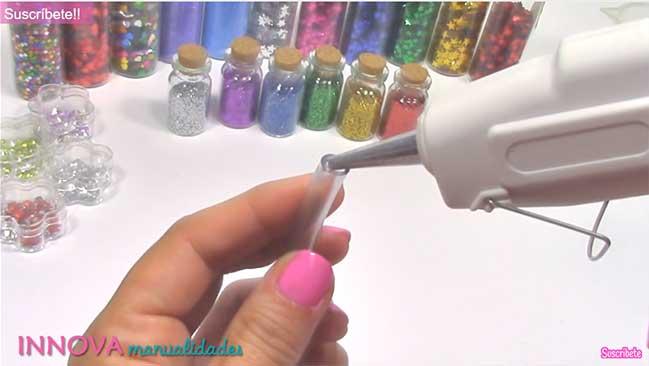 DIY: Cách làm vòng tay nước lấp lánh ánh sao
