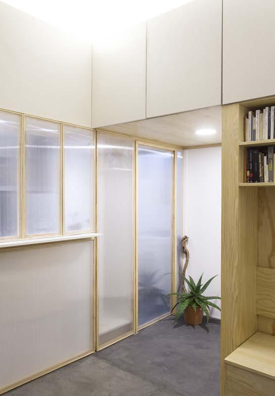 Thiết kế nhà nhỏ đẹp ẩn giấu sau những cánh tủ