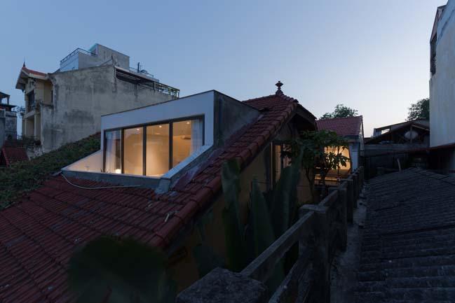 Cải tạo căn hộ áp mái cũ thành ngôi nhà đẹp sang trọng