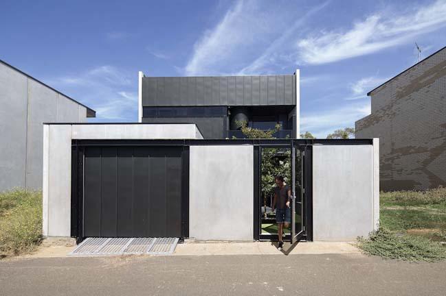 nha dep 2 tang 02 Tham quan mẫu thiết kế nhà đẹp 2 tầng với vẻ ngoài đơn giản cá tính
