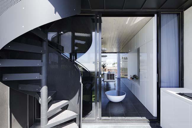 nha dep 2 tang 17 Tham quan mẫu thiết kế nhà đẹp 2 tầng với vẻ ngoài đơn giản cá tính