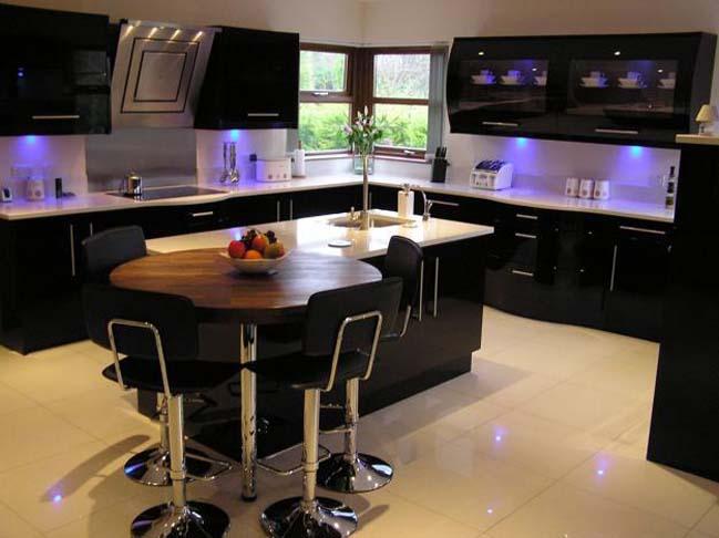 mau tu bep dep voi tong mau den 03 Thiết kế nhà bếp nổi bất với các tông màu tối