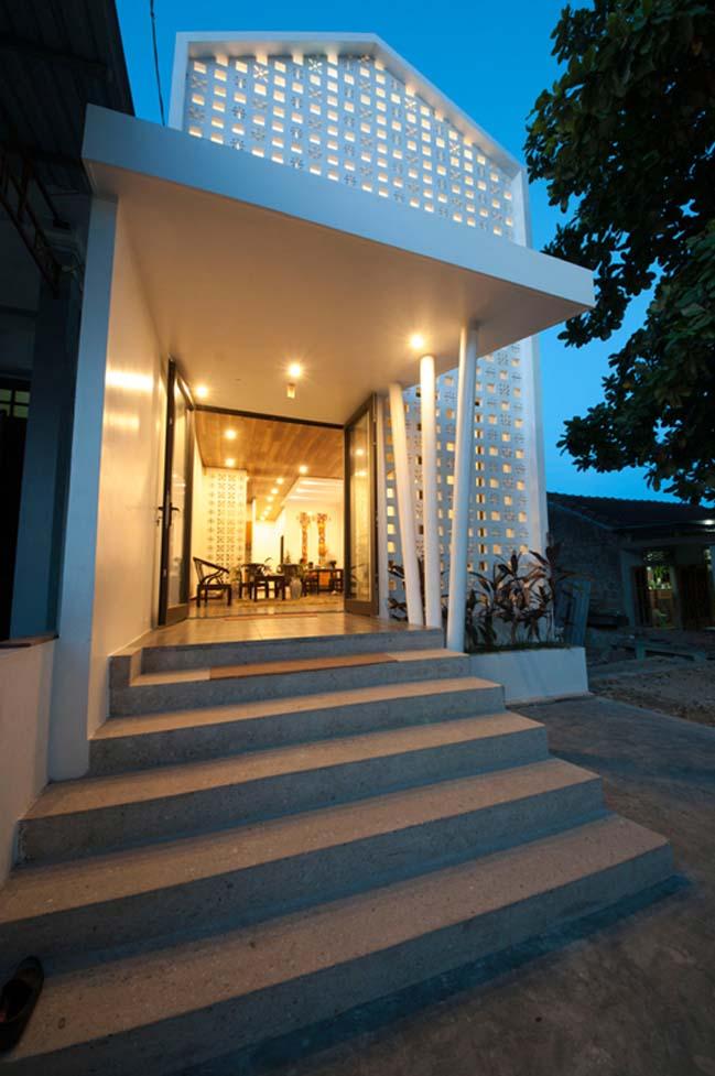 Biến nhà cấp 4 ẩm móc thành nhà đẹp ngập tràn ánh sáng