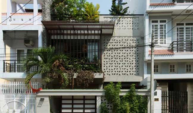 Nhà phố đẹp 3 tầng với thiết kế xanh tại Nha Trang