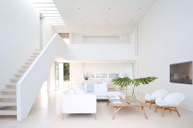 Thiết kế nhà đẹp 2 tầng với nội thất trắng sáng