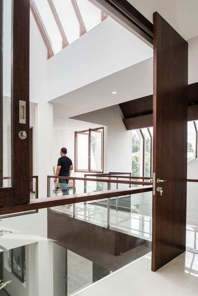 biet thu mai thai hien dai 12 Chia sẻ mẫu thiết kế biệt thự mái thái hiện đại thoáng mát