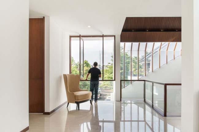 biet thu mai thai hien dai 13 Chia sẻ mẫu thiết kế biệt thự mái thái hiện đại thoáng mát