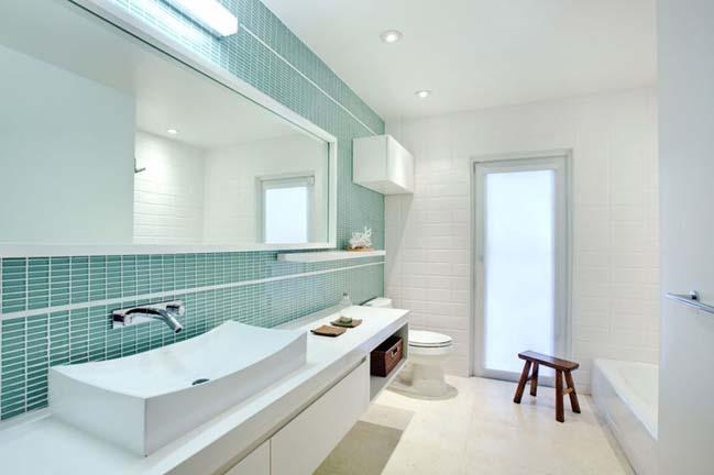 phong tam dep voi tong mau xanh va trang 02 Chiêm ngưỡng những mẫu phòng tắm đẹp với tông màu xanh và trắng sang trọng