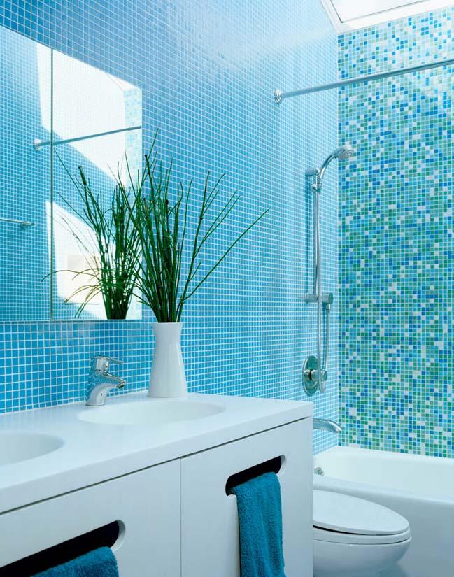 phong tam dep voi tong mau xanh va trang 11 Chiêm ngưỡng những mẫu phòng tắm đẹp với tông màu xanh và trắng sang trọng