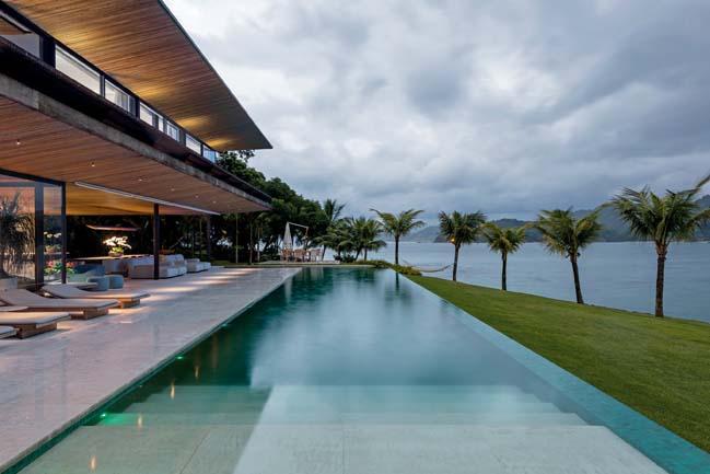 Video: Mẫu biệt thự đẹp trên hòn đảo yên bình