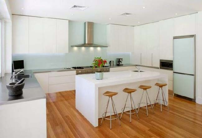mẫu nhà bếp đẹp với tông màu trắng 2016