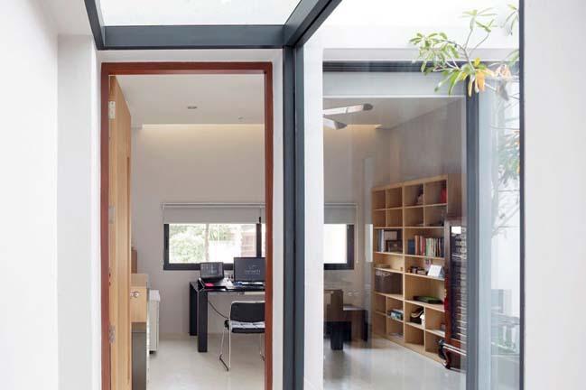 Ngôi nhà ngập tràn ánh sáng nhờ những mảng cửa kính