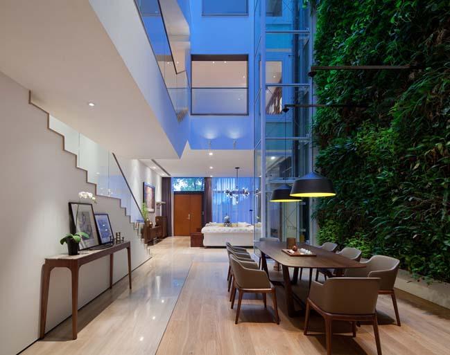 Mẫu biệt thự đẹp với khu vườn đứng cao 4 tầng